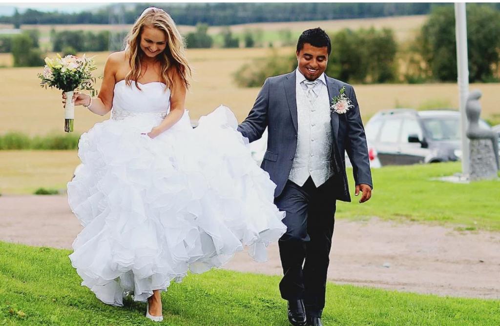 Brudekjole jjshouse erfaring brudepar Marry & Juliet